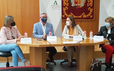 La delegada de Turismo presenta a los empresarios el Plan de Ayudas puesto en marcha por la Junta