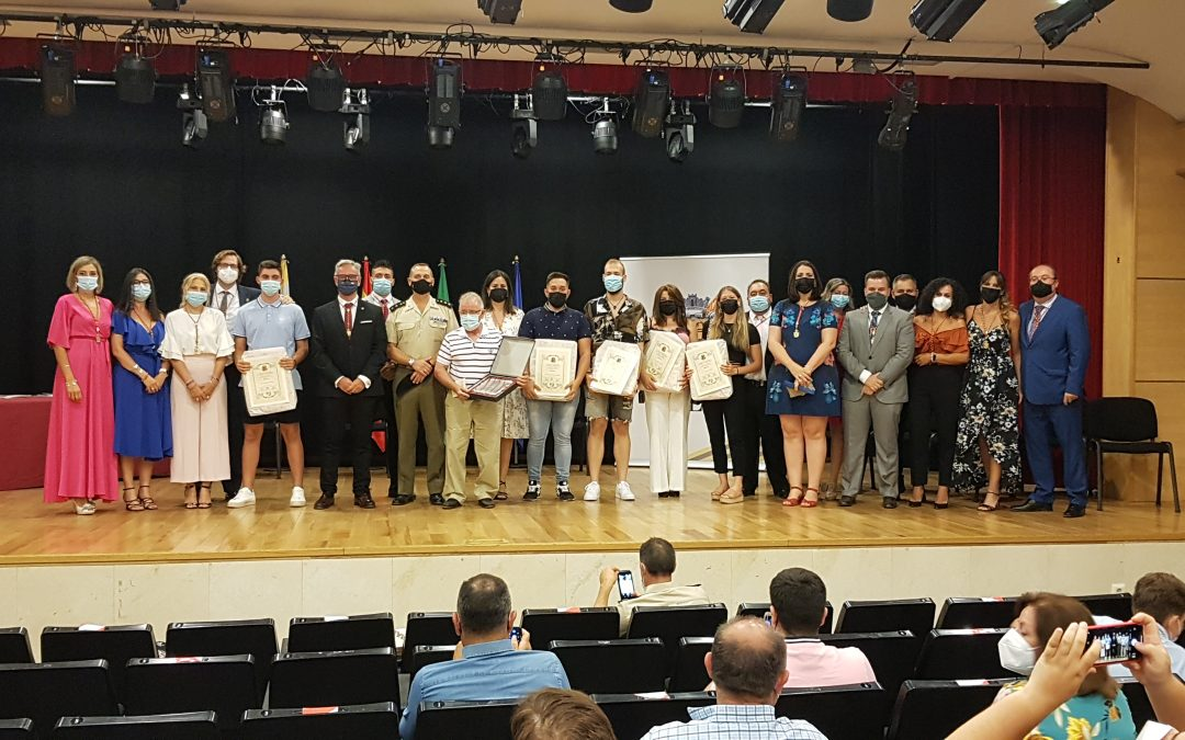 Entrega de reconocimientos a los mejores expedientes académicos